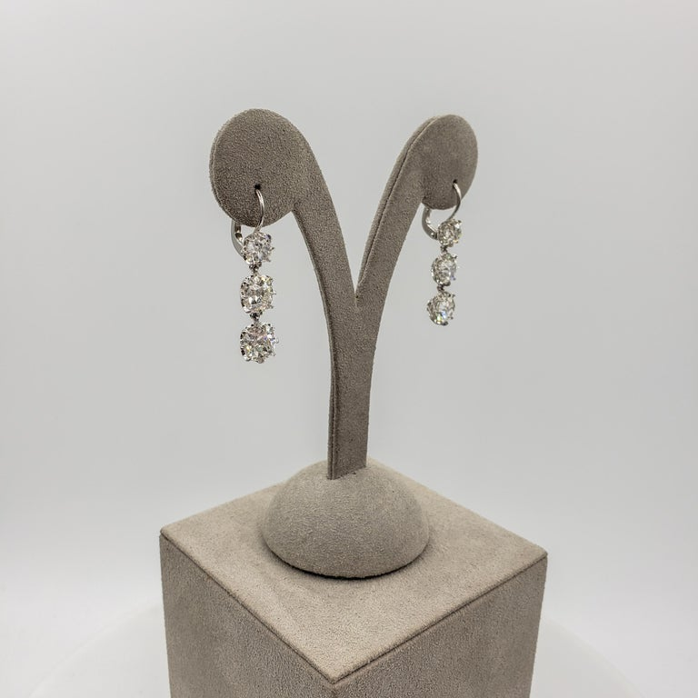 GIA Certified 8.64 Carat Old Mine Cut Diamond Dangle Drop Earrings For Sale 4