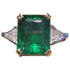 GIA Certified 9.18 Carat Green Emerald Ring White Gold with Diamond
