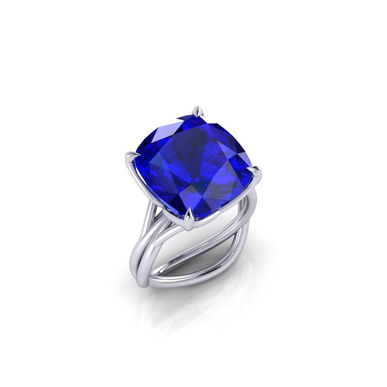 GIA Certified 9.23 carat Tanzanite Cushion Cut in 18 Karat gold cocktail ring In New Condition For Sale In Lake Peekskill, NY