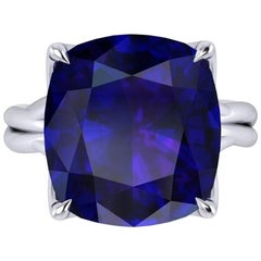 GIA Certified 9.61 carat Tanzanite Cushion Cut in 18 Karat gold cocktail ring