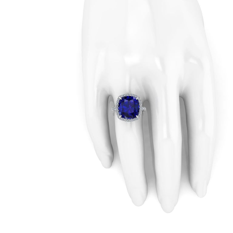 GIA Certified 9.61 Carat Tanzanite Cushion Diamond Halo 18 Karat Gold Ring In New Condition For Sale In New York, NY