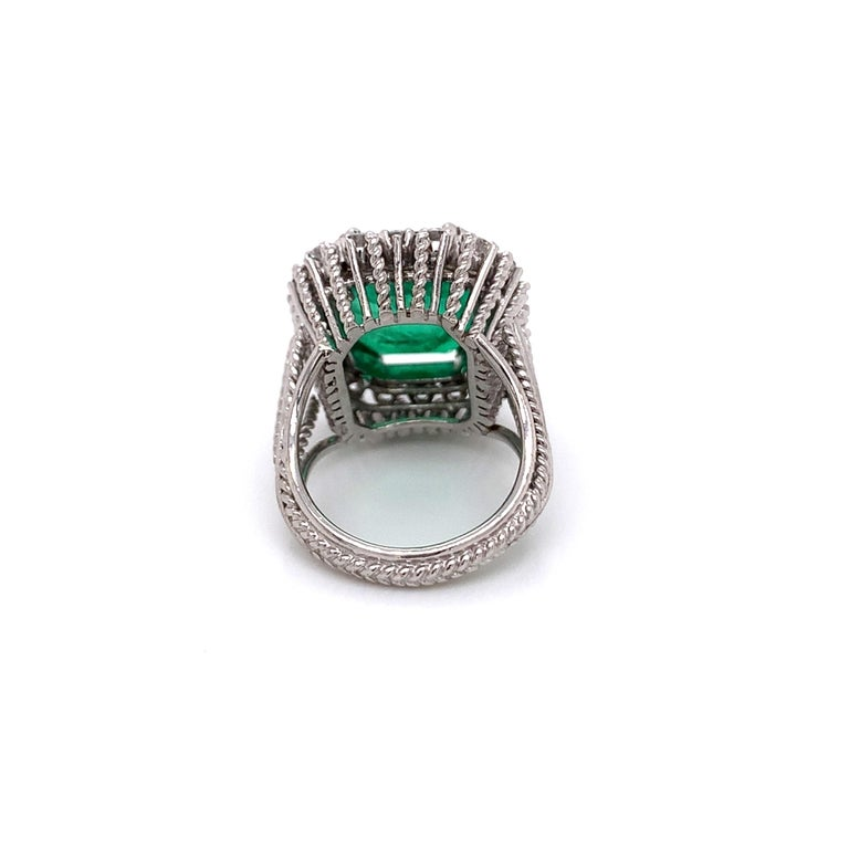 Brilliant Cut GIA Certified Antique Style Diamond & Emerald Cocktail Ring For Sale