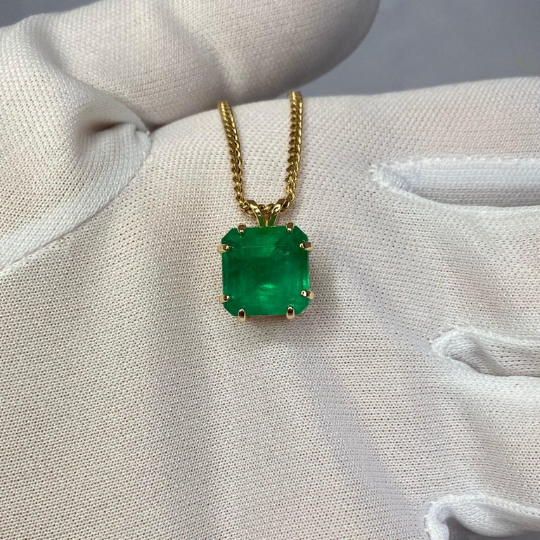 GIA Certified Colombian Emerald 6 Carat Yellow Gold Emerald Cut Pendant Necklace In New Condition In Bristol, GB