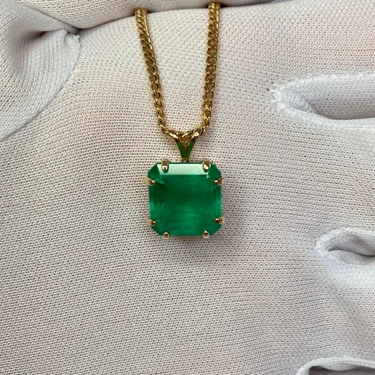 Women's or Men's GIA Certified Colombian Emerald 6 Carat Yellow Gold Emerald Cut Pendant Necklace