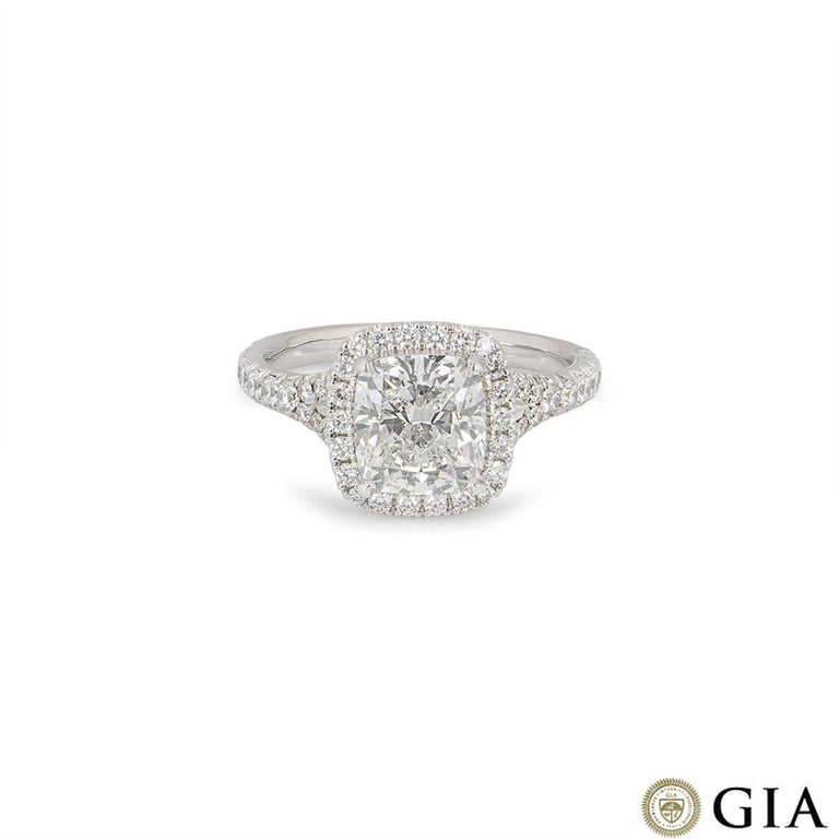 GIA Certified Cushion Cut Diamond Engagement Ring 2.14ct F/VS1 In Excellent Condition For Sale In London, GB