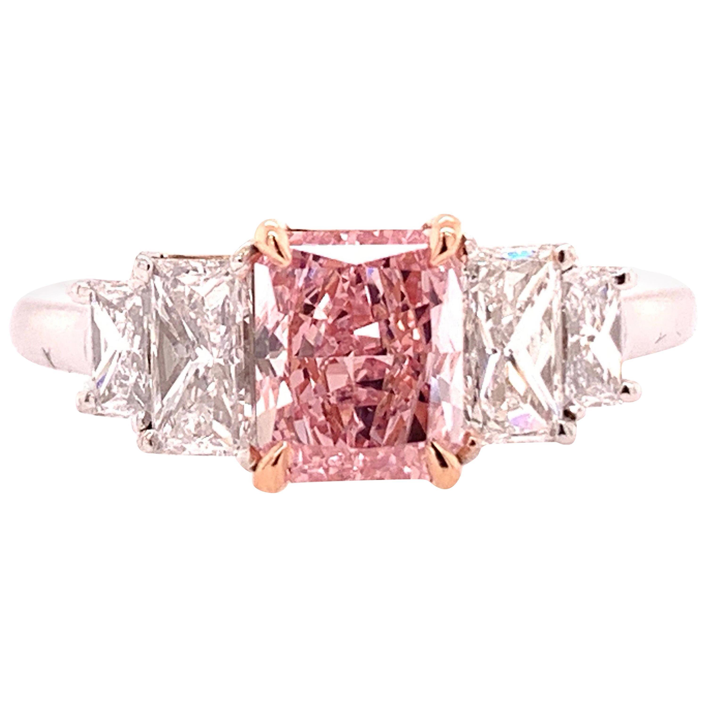 GIA Certified Diamond 0.88 Carat Fancy Intense Pink vs2 Platinum Engagement Ring