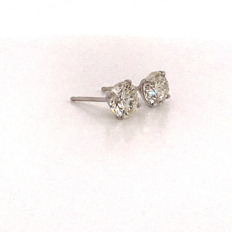 GIA Certified Diamond Stud Earrings 2.02 Carats 18 Karat White Gold In New Condition For Sale In New York, NY