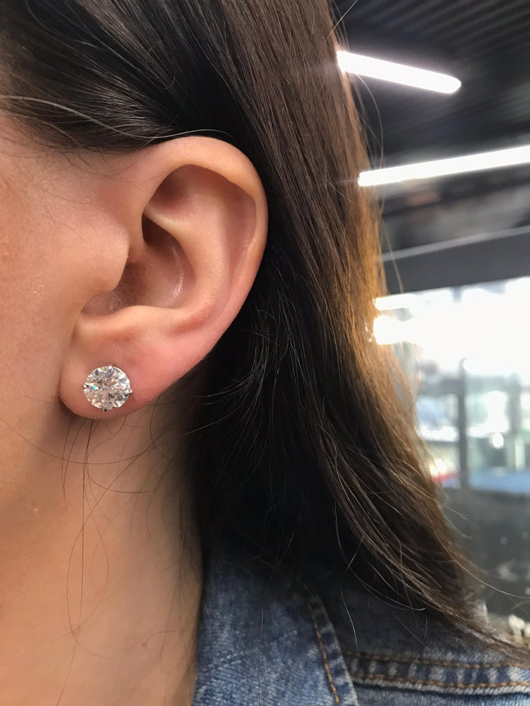 GIA Certified Diamond Stud Earrings 4.71 Carat E-F 5