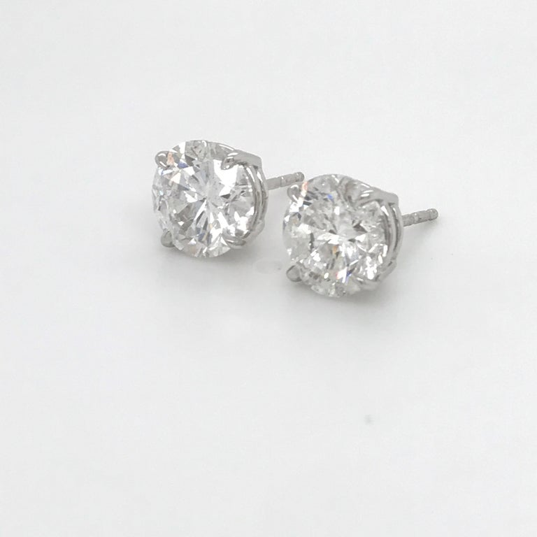 GIA Certified Diamond Stud Earrings 4.71 Carat E-F In New Condition In New York, NY