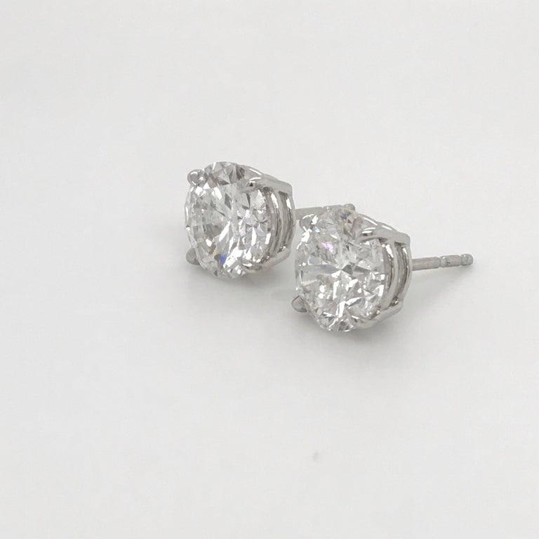 Women's or Men's GIA Certified Diamond Stud Earrings 4.71 Carat E-F