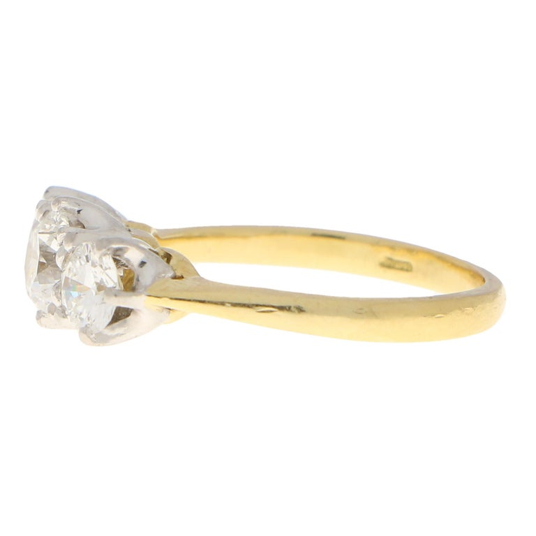 Round Cut GIA Certified Diamond Three-Stone Engagement Ring Set in 18 Karat Yellow Gold For Sale