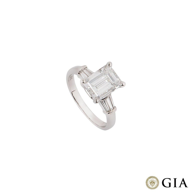 GIA Certified Emerald Cut Diamond Engagement Ring 3.02 Carat In Excellent Condition For Sale In London, GB