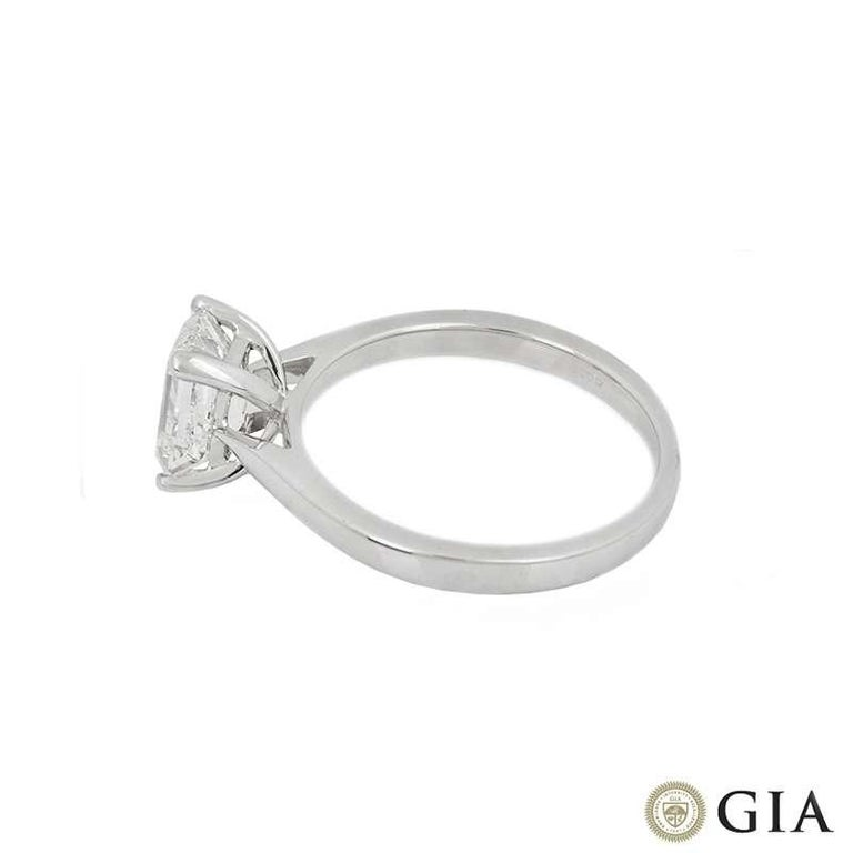 GIA Certified Emerald Cut Diamond Engagement Solitaire Ring 1.50 Carat In New Condition For Sale In London, GB