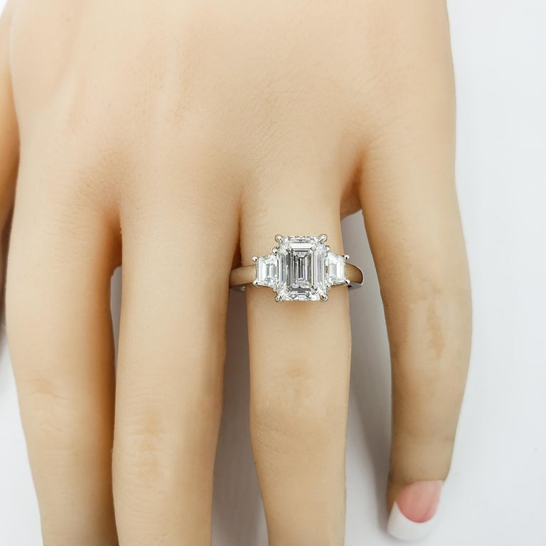 Roman Malakov, GIA Certified Emerald Cut Diamond Three-Stone Engagement Ring In New Condition For Sale In New York, NY