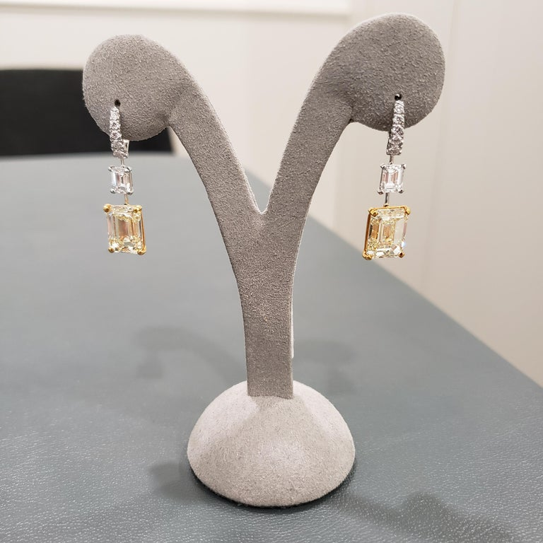 GIA Certified Emerald Cut Yellow Diamond Dangle Earrings In New Condition For Sale In New York, NY