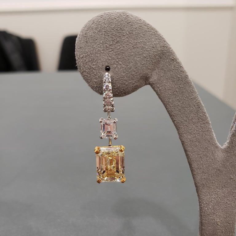 Women's GIA Certified Emerald Cut Yellow Diamond Dangle Earrings For Sale