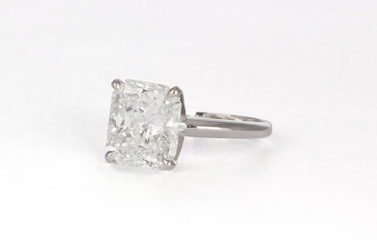 Modern GIA Certified F/VS2 14 Karat Gold and Radiant Diamond Solitaire Ring 5.05 Carat For Sale