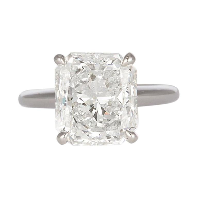 GIA Certified F/VS2 14 Karat Gold and Radiant Diamond Solitaire Ring 5.05 Carat For Sale