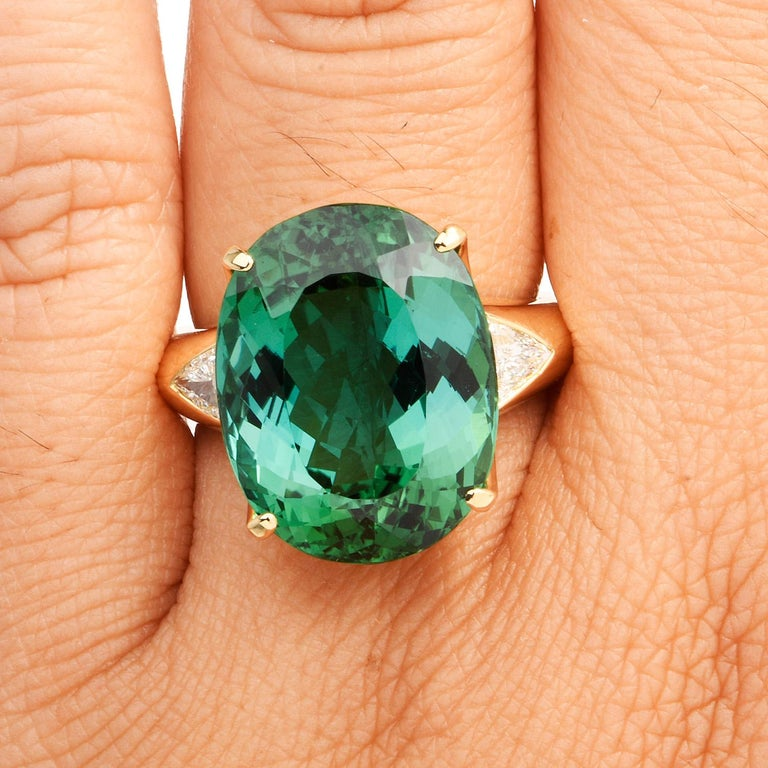 Women's or Men's GIA Certified Green Tourmaline Diamond 18k Gold Cocktail Ring For Sale