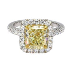 GIA Certified Light Yellow Radiant and White Diamond 3.84 Carats Dia 18k Gold