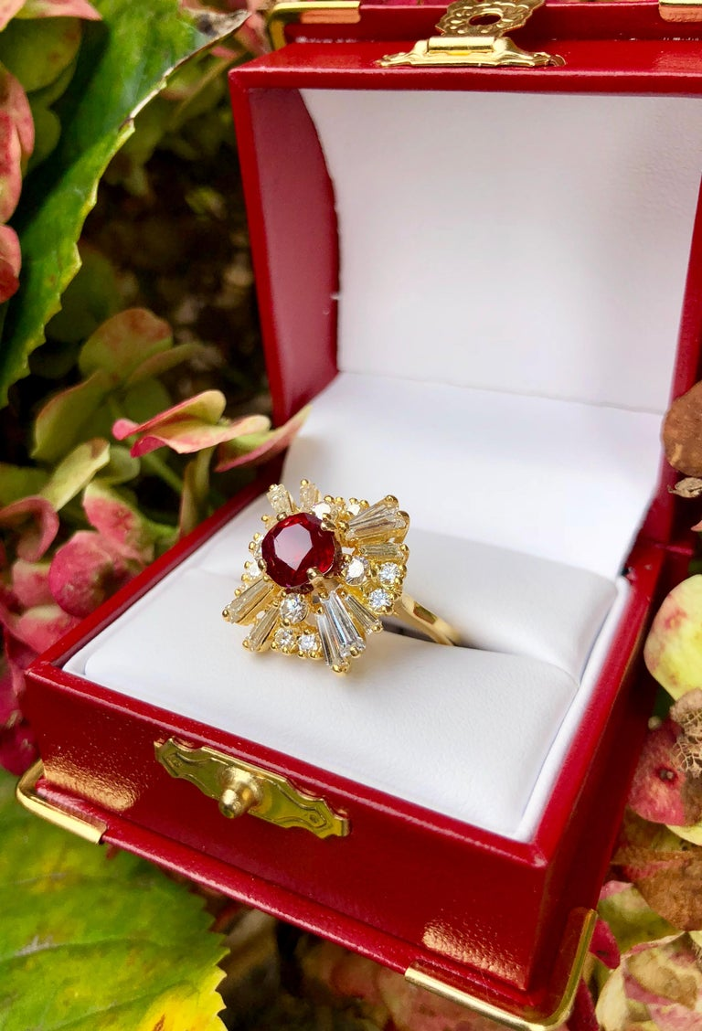 GIA Certified Natural Corundum Ruby and Diamond 18 Karat Yellow Gold Ring In Excellent Condition For Sale In Tustin, CA