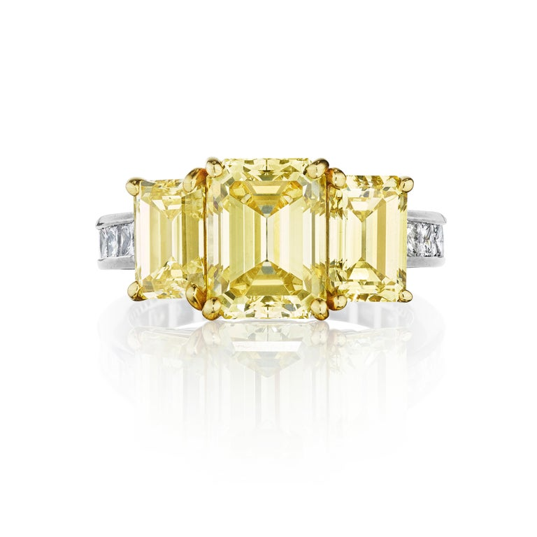 GIA Certified Natural Fancy Intense Yellow Diamond Ring by Siegelson, NY In New Condition For Sale In New York, NY
