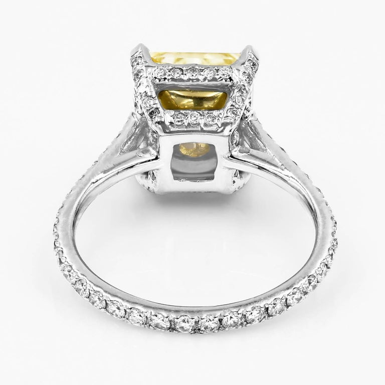 GIA Certified Natural Light Yellow 3.80 Carat Chardonnay Diamond® Ring In New Condition For Sale In Chicago, IL
