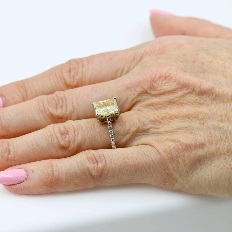 Women's GIA Certified Natural Light Yellow 3.80 Carat Chardonnay Diamond® Ring For Sale