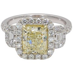 GIA Certified Natural Light Yellow Radiant & White Diamond Ring 3.12ct 18k Gold