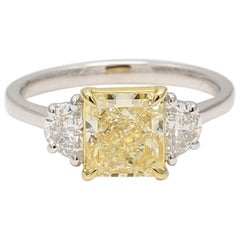 GIA Certified Natural Light Yellow & White Diamond 2.53 cts total Platinum Ring