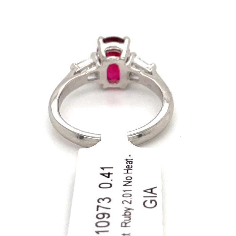 GIA Certified No Heat Ruby Diamond Three-Stone Ring Platinum 2.42 Carat For Sale 1