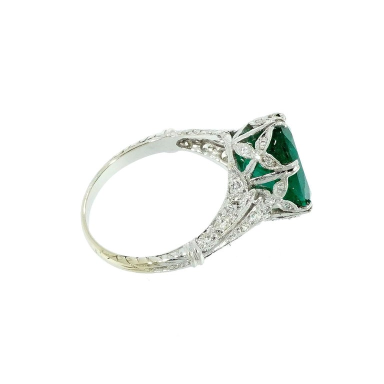 GIA Certified Oval Emerald Vintage White Gold Ring In Good Condition For Sale In Greenwich, CT