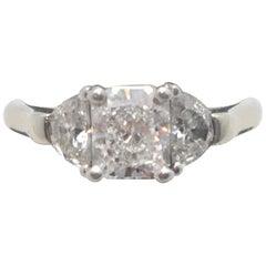 GIA Zertifizierter Radiant-Schliff Diamant 1,22 Karat mit Halbmond Diamanten