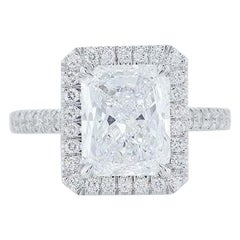 GIA Certified Radiant Cut Diamond Engagement Ring 18 Karat White Gold