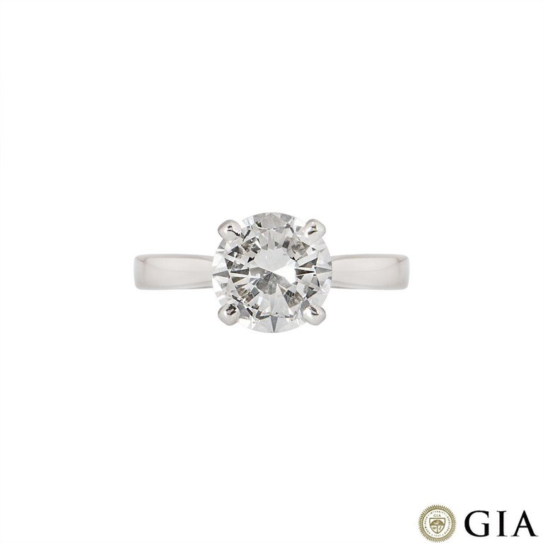 GIA Certified Round Brilliant Diamond Solitaire Engagement Ring 2.31 Ct F/VVS2 In Excellent Condition For Sale In London, GB