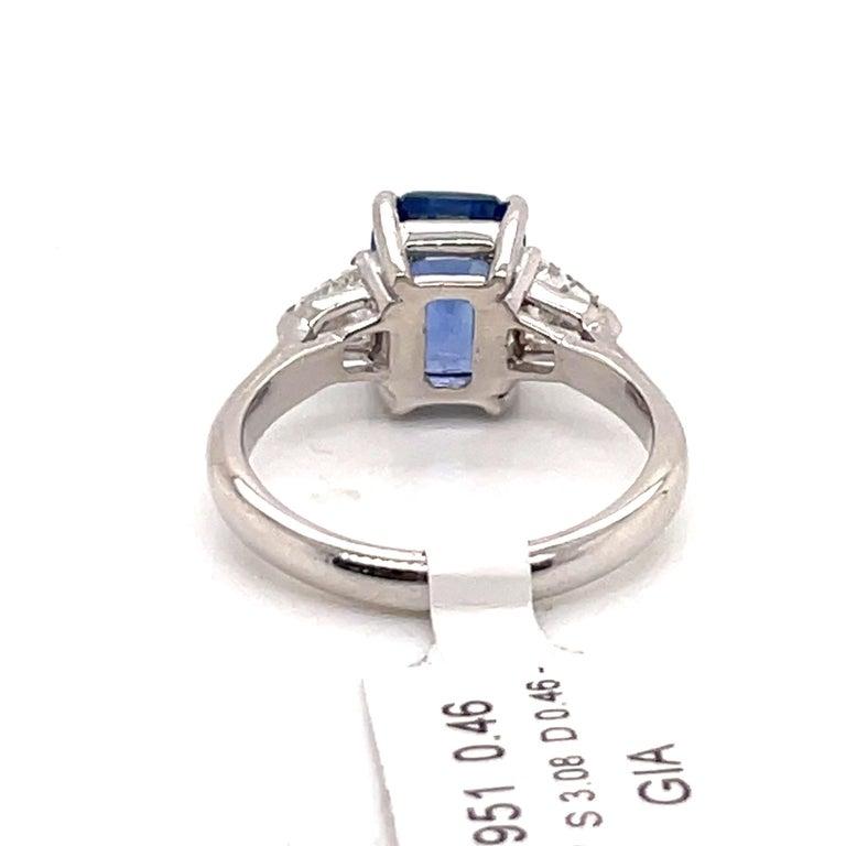 GIA Certified Sapphire Diamond Three-Stone Ring 18 Karat White Gold No Heat For Sale 1