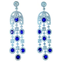 GIA Certified unheated Sapphire, and Diamond Earrings, Pierre/Famille