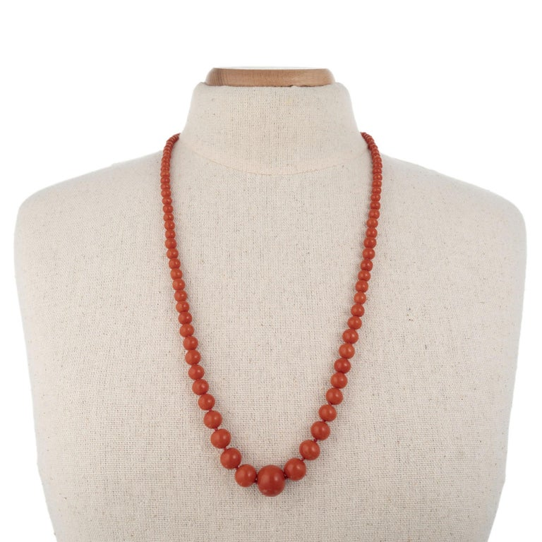 GIA Certified Victorian 1900s Polished Natural Orange Coral Graduated Necklace For Sale 2