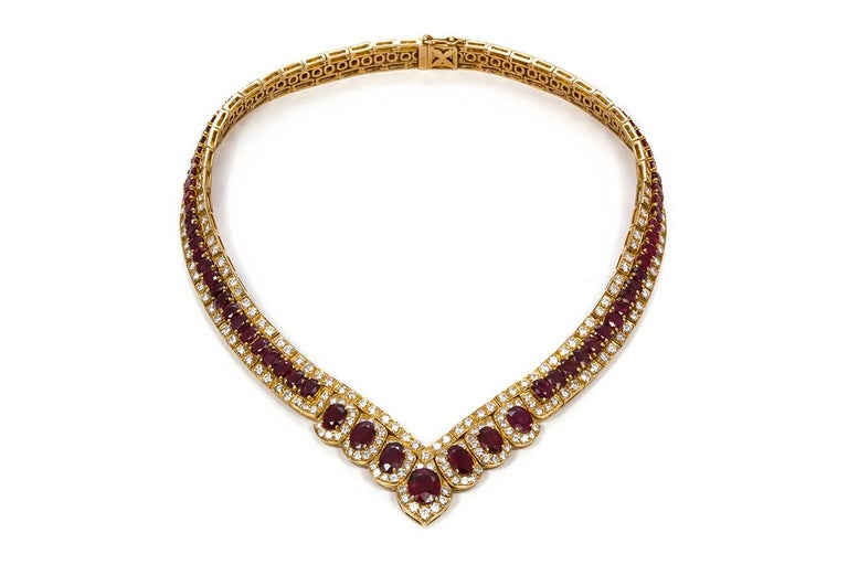Oval Cut GIA Certified Vintage 18 Karat Yellow Gold Diamond and Ruby Graduated Necklace For Sale