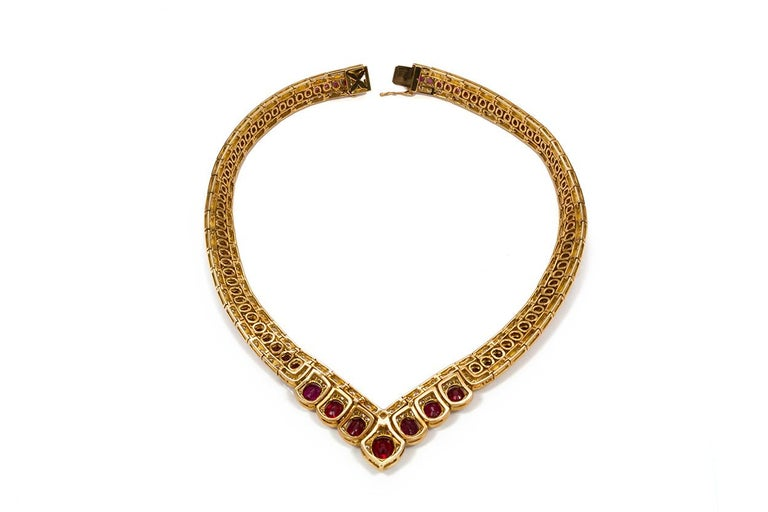 GIA Certified Vintage 18 Karat Yellow Gold Diamond and Ruby Graduated Necklace For Sale 1