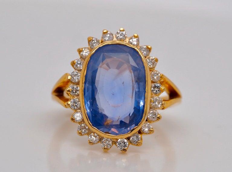 Retro GIA Certified Vintage Ceylon Sapphire Diamond Halo Ring in 14 Karat Yellow Gold For Sale