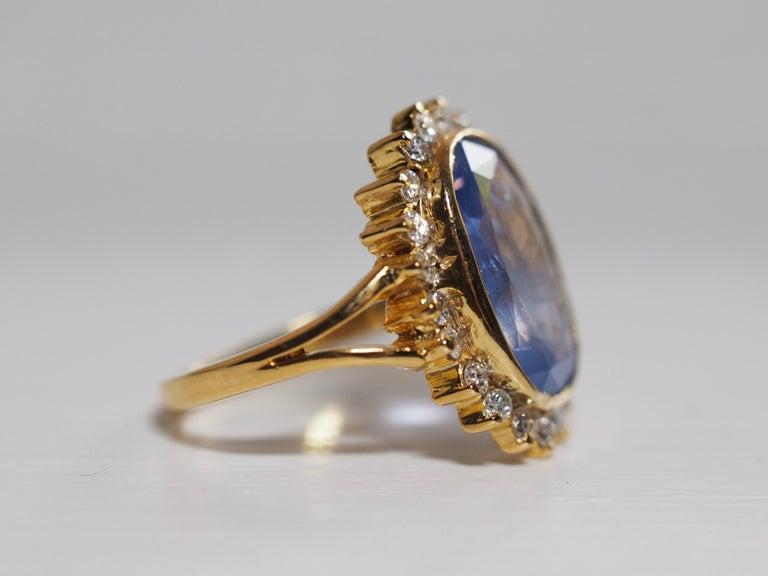 Women's or Men's GIA Certified Vintage Ceylon Sapphire Diamond Halo Ring in 14 Karat Yellow Gold For Sale