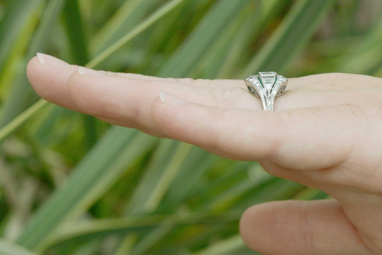 Emerald Cut GIA Certified Colombian Emerald Art Deco Engagement Ring Cocktail 4 Carat Total For Sale