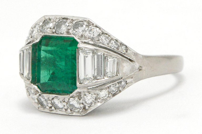 Men's GIA Certified Colombian Emerald Art Deco Engagement Ring Cocktail 4 Carat Total For Sale