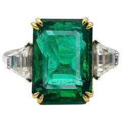 GIA Emerald Ring 8.81 Carat with Side Diamonds 0.98 Carat Total 18 Karat Gold