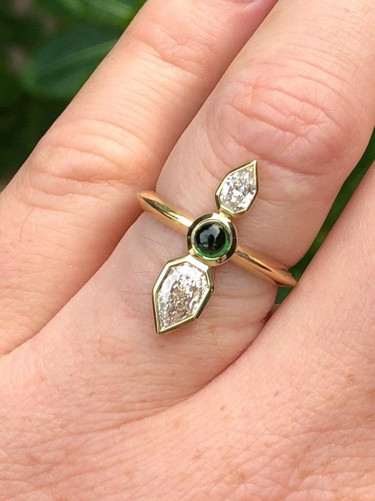 Modern GIA Empress Cut Diamond and Tsavorite 18 Karat Gold Engagement Ring For Sale