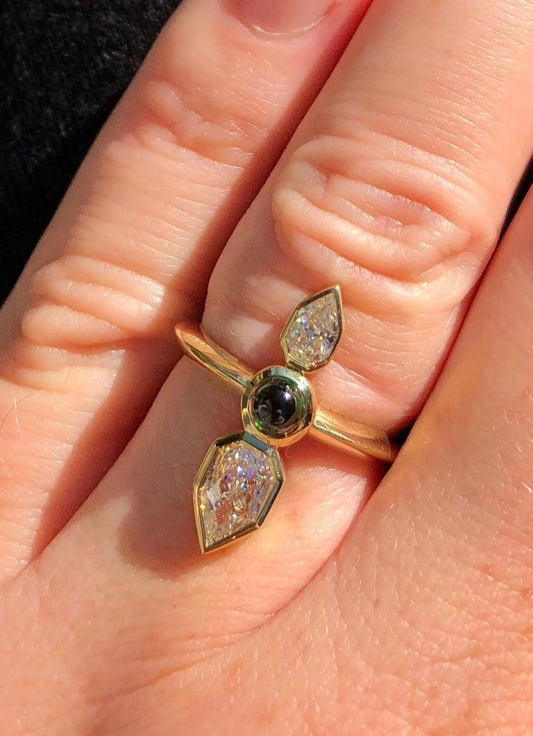 GIA Empress Cut Diamond and Tsavorite 18 Karat Gold Engagement Ring For Sale 3