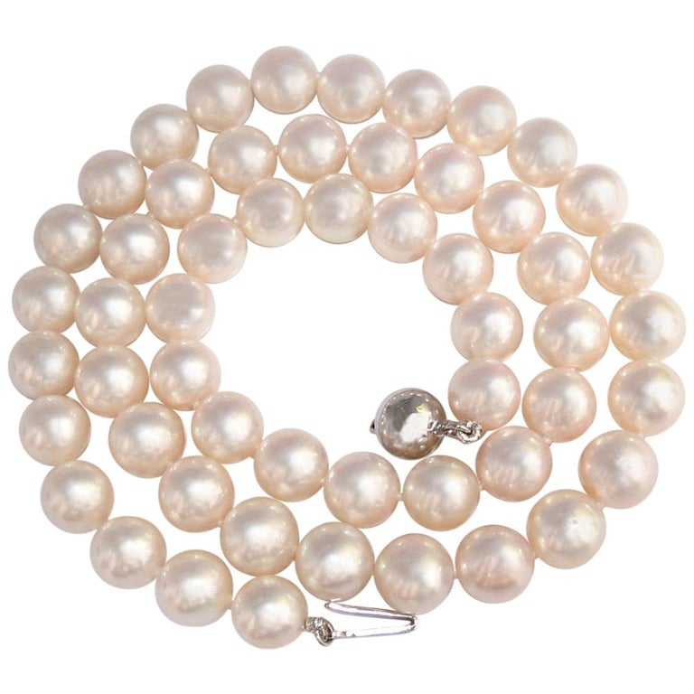 616f9b1145359 GIA Natural Akoya White Pearls Necklace 18 Karat Gold Ball Clasp