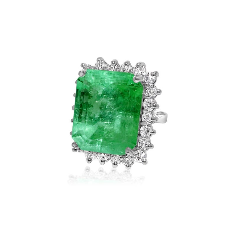 GIA Certified Natural 20 Carat Colombian Emerald Diamond Ring In Excellent Condition For Sale In Miami, FL