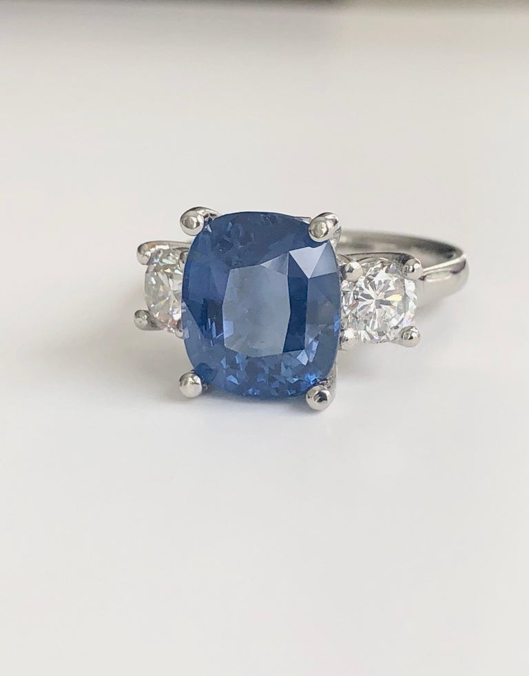 GIA Natural No Heat Ceylon Sapphire and Diamond Engagement Platinum Ring For Sale 4